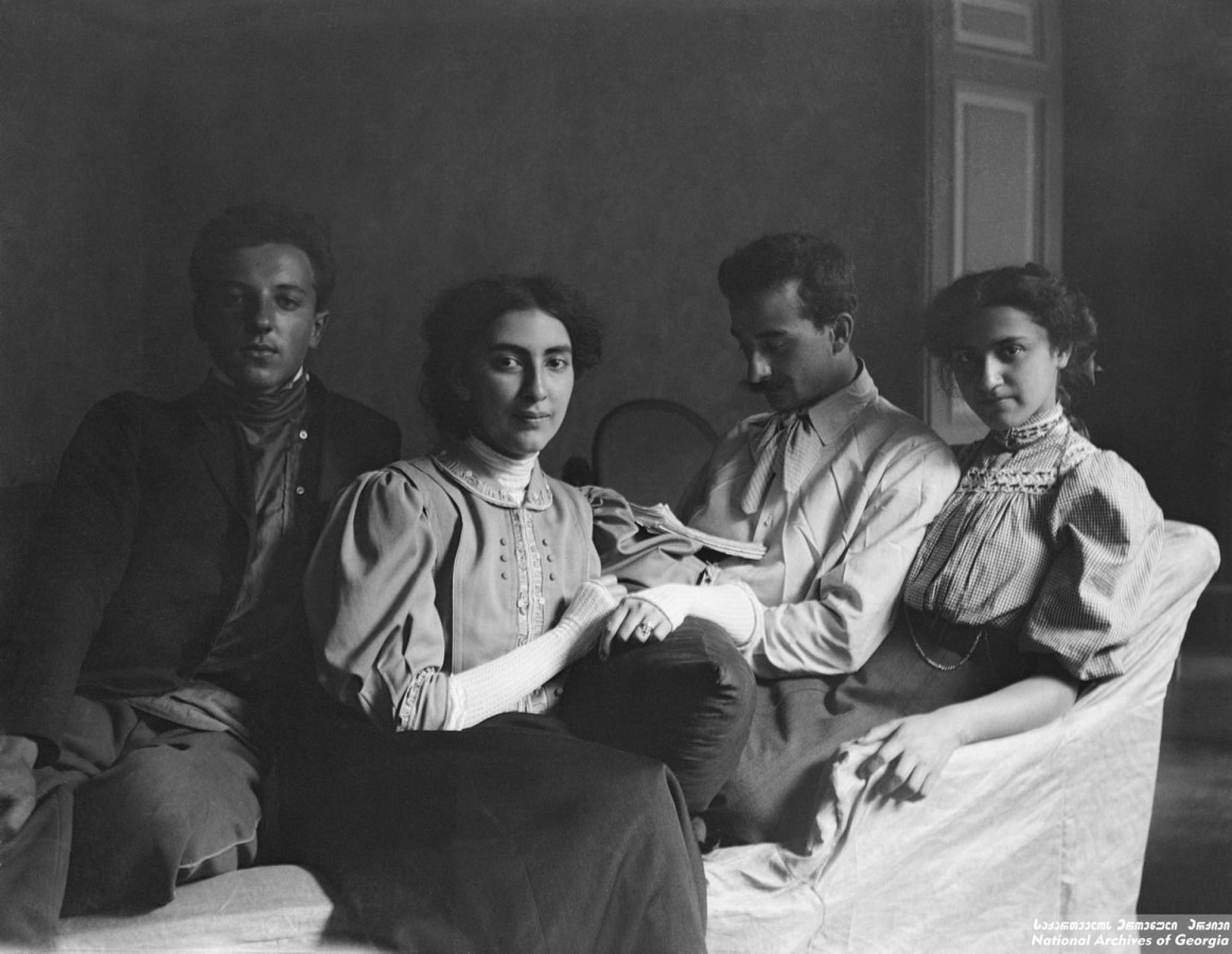 რუსუდან ნიკოლაძე  (1884-1981)